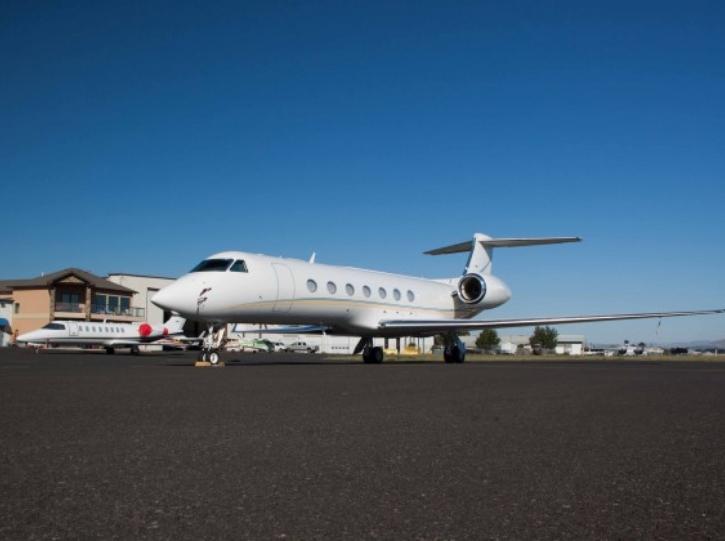 apron airplane
